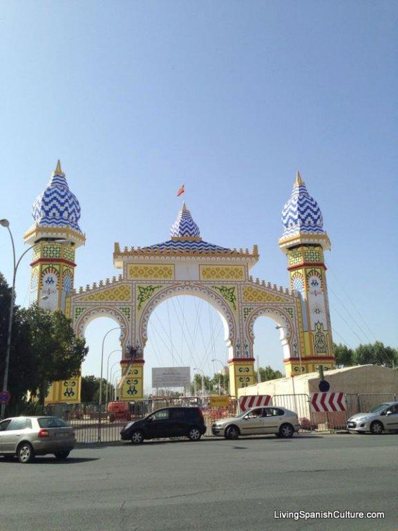 Sevilla,Feria de Sevilla,construccion portada (3)