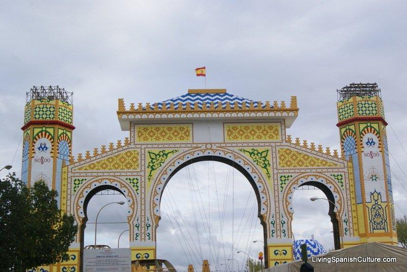Sevilla,Feria de Sevilla,construccion portada (4)