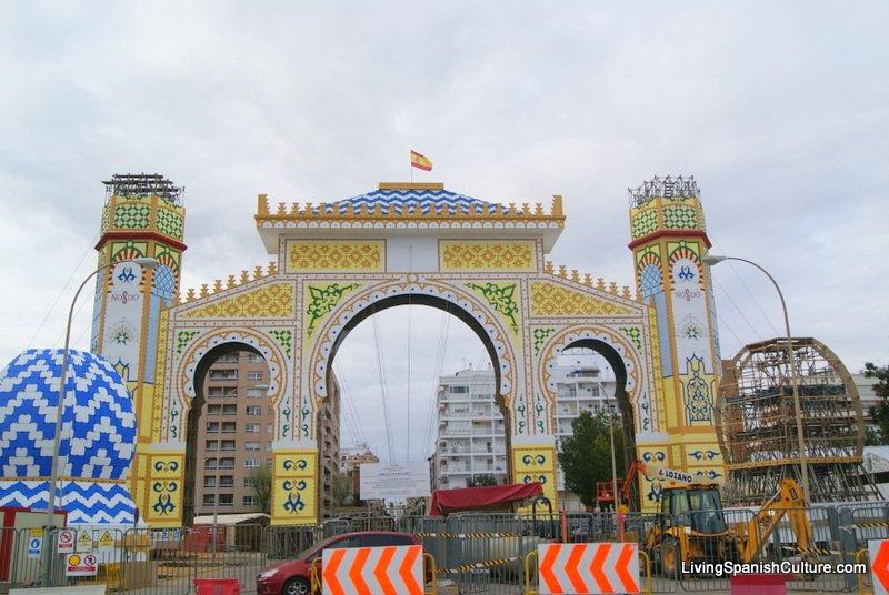 Sevilla,Feria de Sevilla,construccion portada (7)