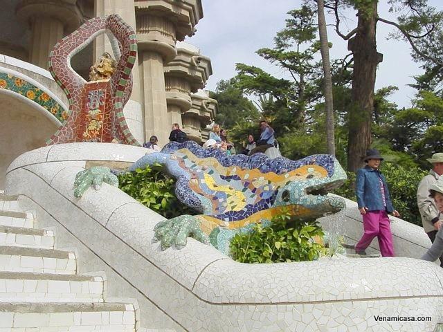 guell-park-dragon