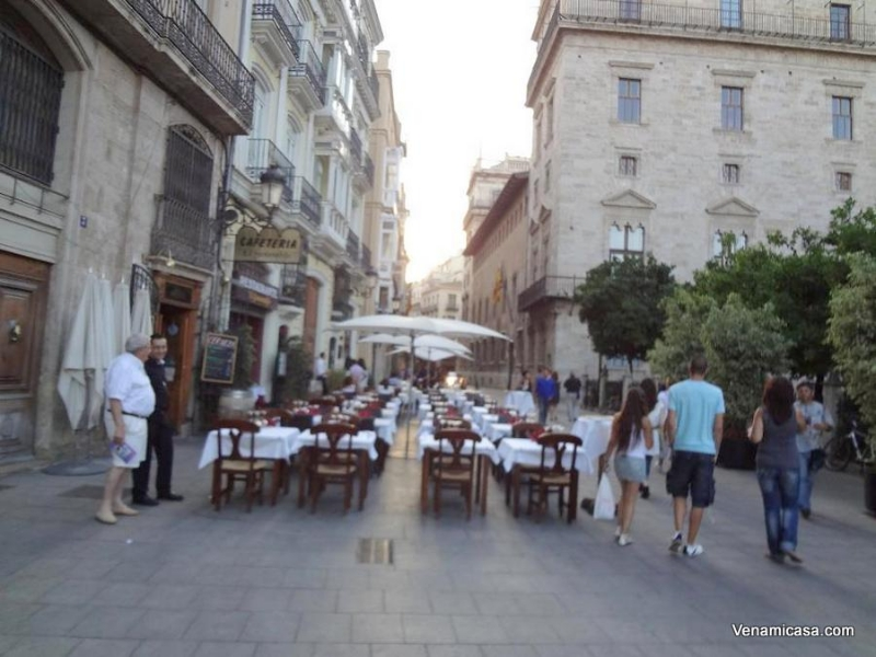 Valencia bars-and-restaurants-at-the-old-city