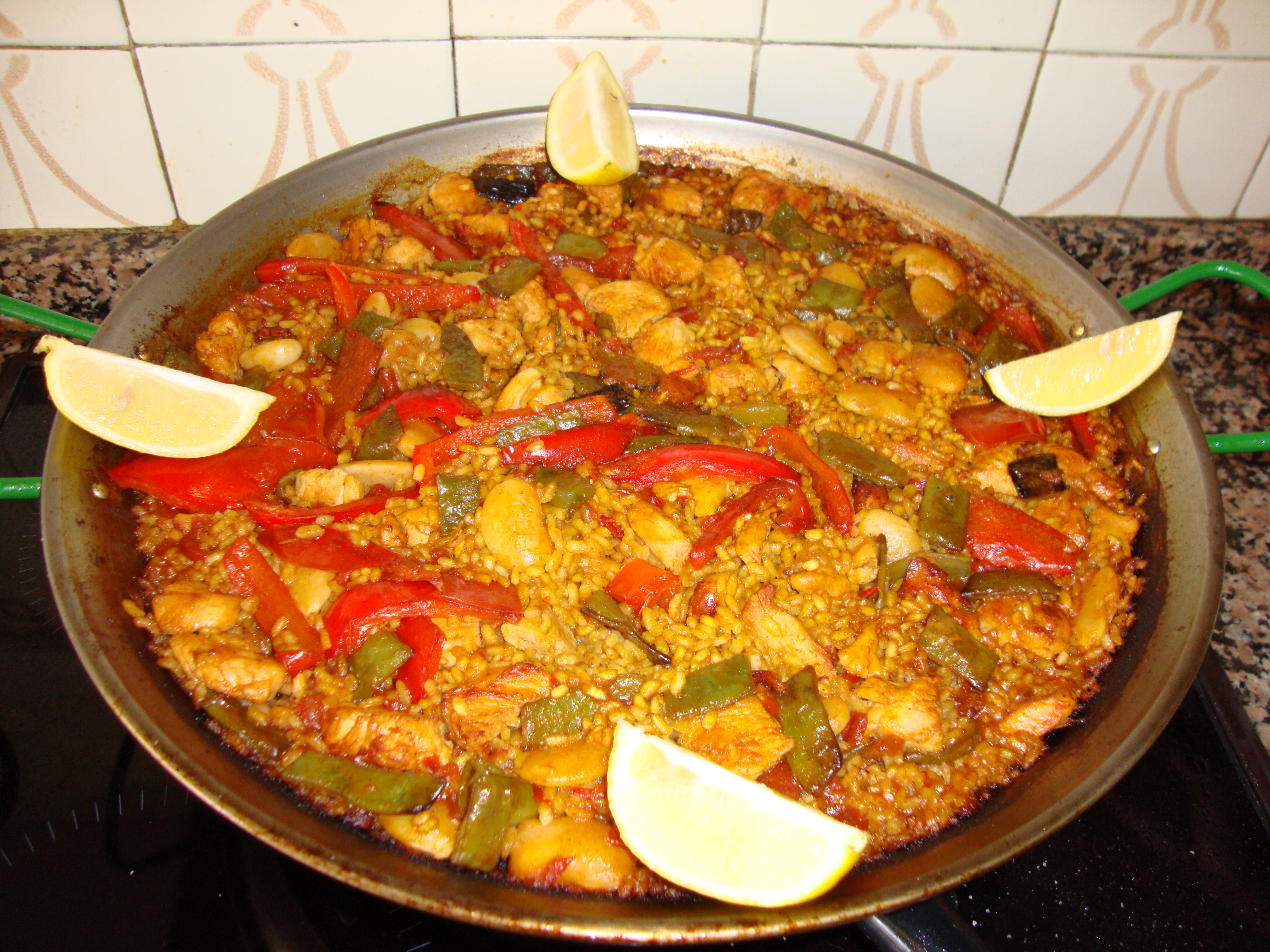paella valenciana of chiken and vegetables