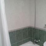 Homestay Valencia, Spain, Gral Urrutia, bath