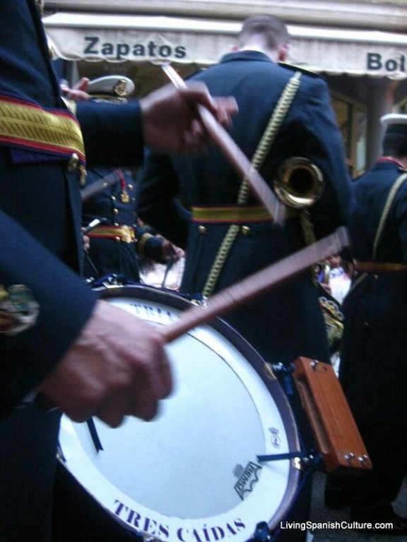Holly Week,Seville,Spain,uniforms and music groups (3)