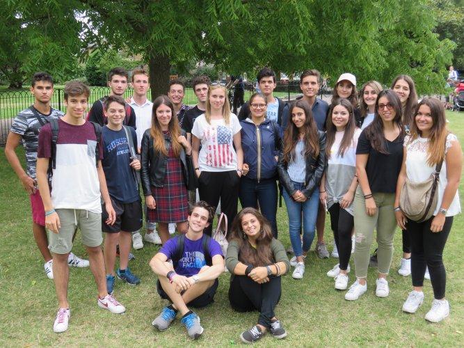 Volunteering in London (2)